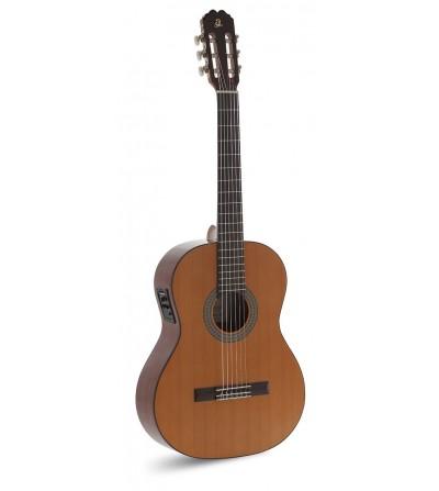 Admira Juanita Electrificada. Guitarra clásica