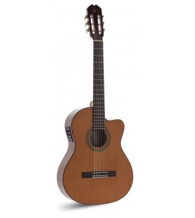 Admira Juanita Electrificada Fishman Estudio. Guitarra clasica
